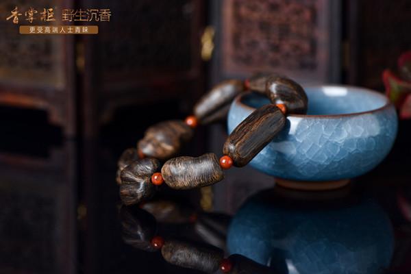 沉香手串中的随形手串有哪些优势和好处?
